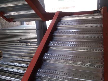 پله های عرشه فولادی